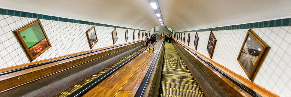 Rolltreppe zum Sint-Annatunnel in Antwerpen