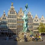 Der Brabobrunnen auf dem Grote Markt in Antwerpen