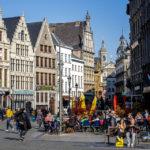 Zunfthäuser und Lokale auf dem Grote Markt in Antwerpen