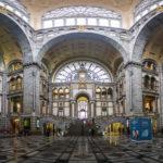 Panorama der Haupthalle des Hauptbahnhofs Antwerpen-Centraal