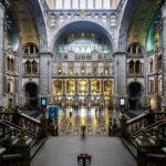 Haupthalle des Hauptbahnhofs Antwerpen-Centraal