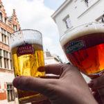 Ein Stella Artois und De Koninck im Muziekcafé De Kroeg in Antwerpen