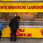 Würstelstand auf dem Burgplatz von Brügge