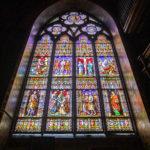 Fenster in der gotischen Oberkirche in der Heilig-Blut-Basilika in Brügge