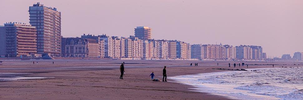 Sonnenuntergang an der Strandpromenade in Ostende