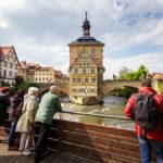 Vom Geyerswörthsteg hat man den besten Blick auf das Alte Rathaus in Bamberg