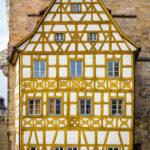 Detailansicht des Fachwerkhauses am Alten Rathaus in Bamberg