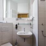 Bad im Einzelzimmer im Hotel Central in Bamberg