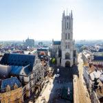 Blick vom Belfried auf die St.-Bavo-Kathedrale von Gent