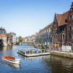 Es werden zahlreiche Bootsfahrten in Gent angeboten