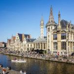 Blick von der St.-Michael-Brücke auf die Uferterrassen Graslei und Korenlei in Gent