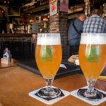 Innenansicht des Bierlokals Het Waterhuis aan de Bierkant in Gent