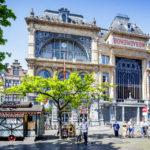 Schöne Häuser auf dem Vrijdagmarkt in Gent