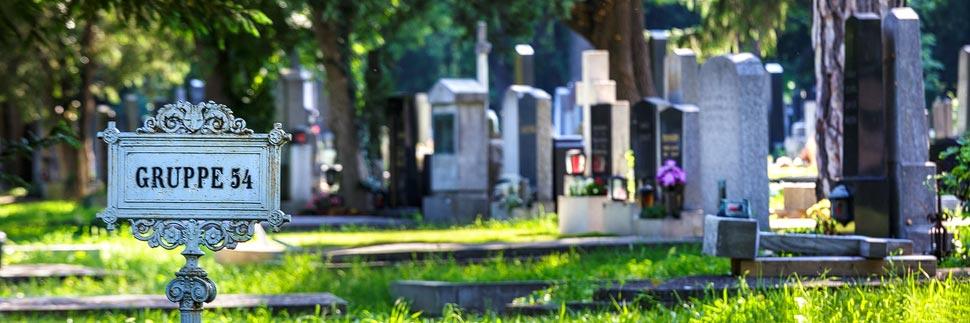 Gräber auf dem Zentralfriedhof in Wien