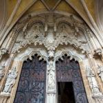 Das Portal des Doms der Heiligen Elisabeth
