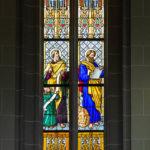 Schöne Glasfenster im Dom der Heiligen Elisabeth