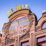 Jugendstilfassade des Hotel Slávia auf der Hauptstraße von Košice