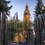 Der Singende Brunnen vor dem Dom der Heiligen Elisabeth in Košice