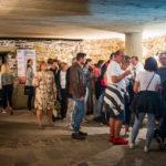 Besucher des Weinfestes im Unteren Tor in Košice
