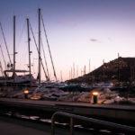 Luxusjachten im Hafen von Port d'Andratx nach Sonnenuntergang