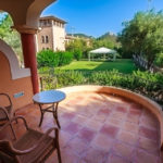 Terrasse im Doppelzimmer im Mon Port Hotel & Spa in Port d'Andratx auf Mallorca