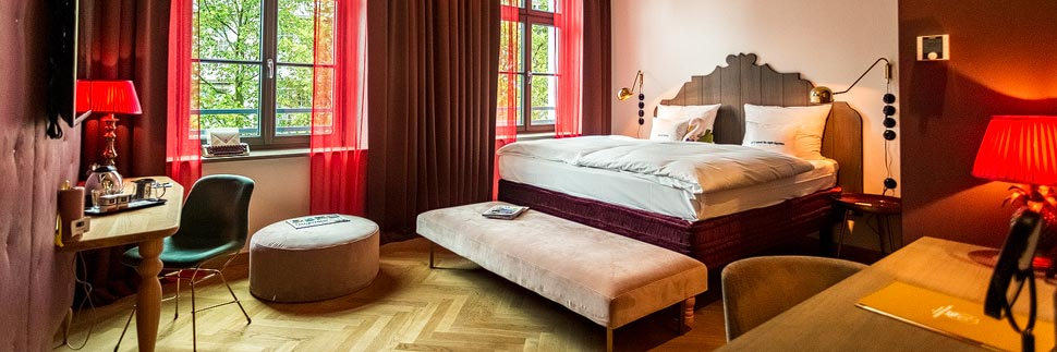 Zimmer im Hotel 25hours The Royal Bavarian in München
