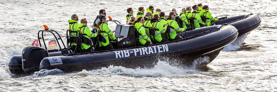 Ein Speedboot der RIB Piraten in Hamburg
