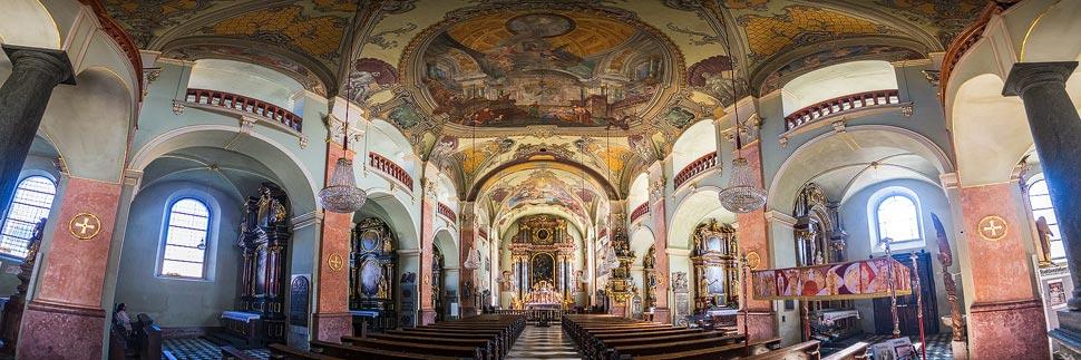 Innenansicht der Stadtpfarrkirche von Klagenfurt