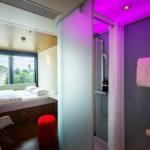 Zimmer mit Blick auf den Tower im citizenM Tower of London Hotel