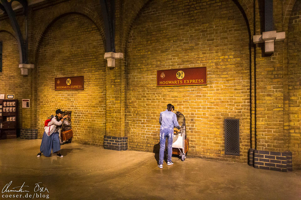Gleis 9 ¾ in der Harry Potter Studio Tour London
