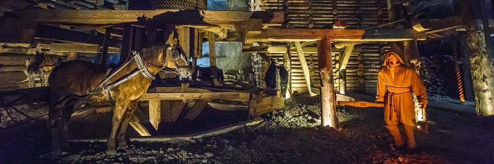 Figuren von Bergarbeitern im Salzbergwerk Wieliczka bei Krakau
