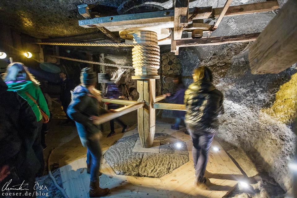 Historische Maschine im Salzbergwerk Wieliczka bei Krakau