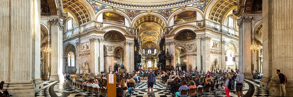 Innenansicht der St. Paul's Cathedral in London