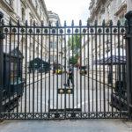 Abgesperrter Zugang zum Haus 10 Downing Street