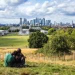 Die Skyline von London von der Aussichtsplattform vor dem Greenwich Royal Observatory aus gesehen