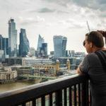 Die Skyline von London von der Aussichtsplattform des Tate Modern aus gesehen