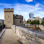 Der Tower of London und die Skyline der Stadt
