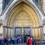 Hauptportal der Kirche Westminster Abbey in London