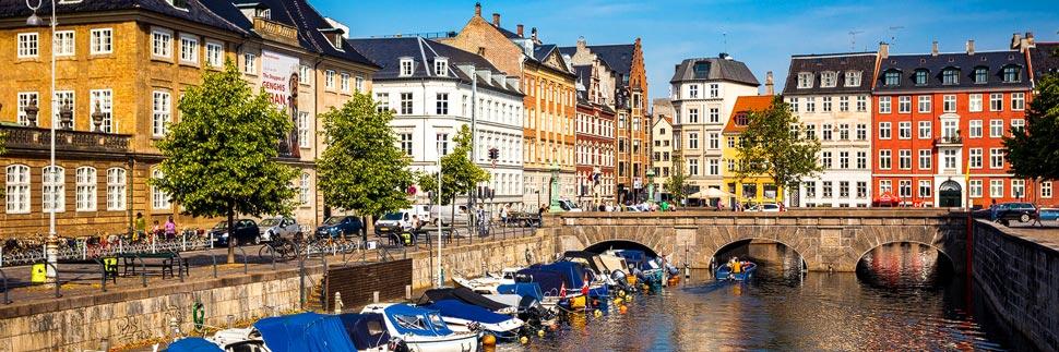 Bunte Häuser an der Nybrogade in Kopenhagen