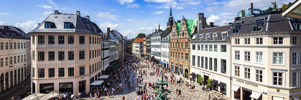 Blick auf die Einkaufsstraße Strøget in Kopenhagen