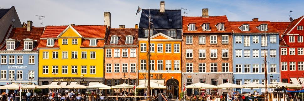 Bunte Häuserzeile Nyhavn in Kopenhagen