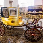 Alte Kutsche in den Hofstallungen im Schloss Christiansborg