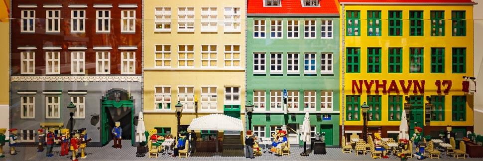 Nyhavn-Nachbau aus LEGO-Steinen im LEGO-Shop in Kopenhagen