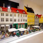 Modell von Nyhavn im LEGO-Shop in Kopenhagen