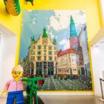 Ein Kopenhagener Stadtbild aus LEGO-Steinen im LEGO-Shop