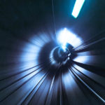 Blick aus der fahrenden Kopenhagener Metro in einen Tunnel