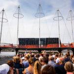 Die moderne Brücke Cirkelbroen während einer Kanalrundfahrt durch Kopenhagen