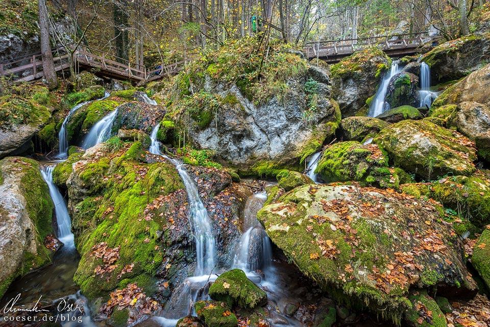 Wasserfälle entlang der Myrafälle in Muggendorf