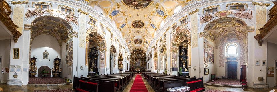 Panorama der Kathedrale des heiligen Johannes des Täufers in Trnava