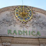 Das Stadtwappen von Trnava auf dem Rathaus